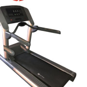 1 ready LIFE FITNESS TREADMILL-MODEL 95TI